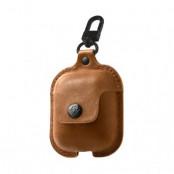 Twelve South AirSnap - fodralet för dina Apple AirPods - Cognac